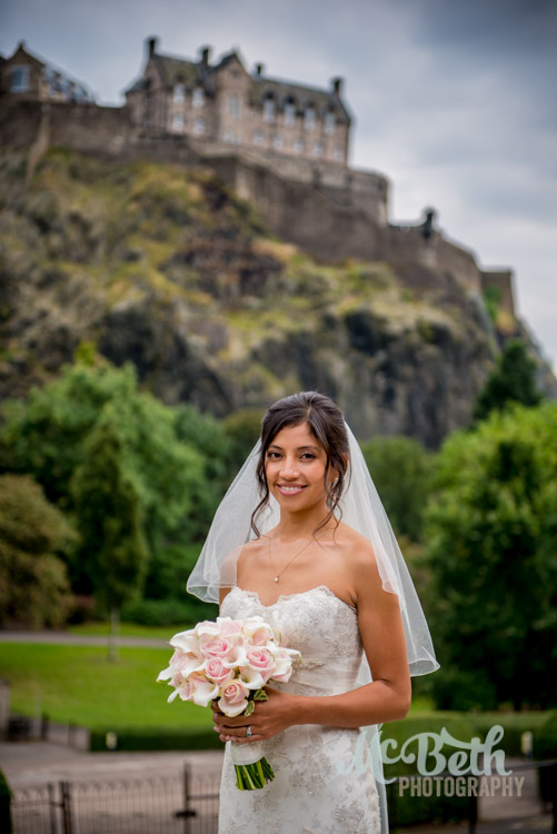 Beautiful bride in front of Edinburgh Castle.